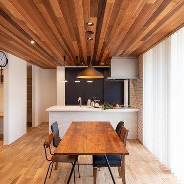 インテリア雑誌に出てくるようなおしゃれな空間。素敵なキッチンで家事もはかどります!