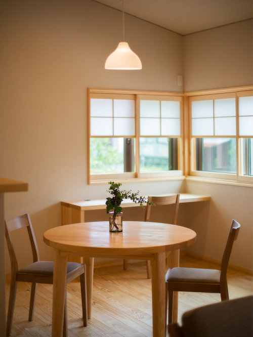 Best small asian dining room design ideas remodel for Small dining room ideas houzz