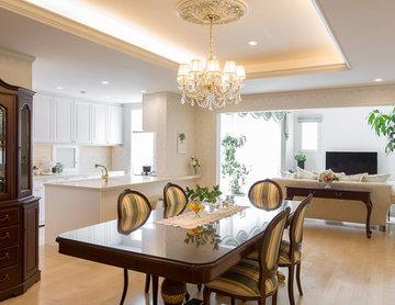 仕上りの良い框扉や美しい把手などデザインにこだわったキッチン空間