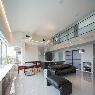 Foto de comedor minimalista, abierto, con paredes blancas, suelo de mármol y suelo blanco