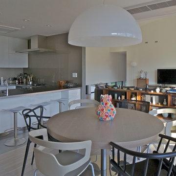 活動を育む器としての建築/木造トラス梁による大空間リビングルームのある3世代住宅