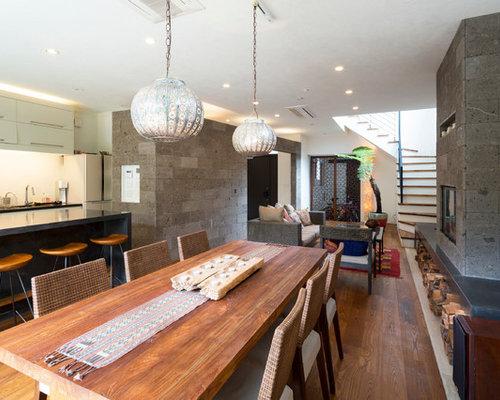 Zen Medium Tone Wood Floor Great Room Photo In Tokyo Suburbs With Gray Walls