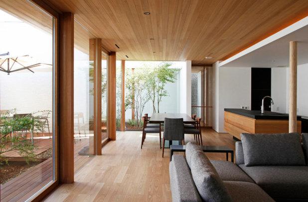 Modern Dining Room by kisetsu