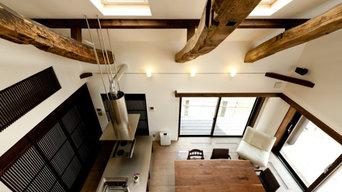 2階より1階を望む。