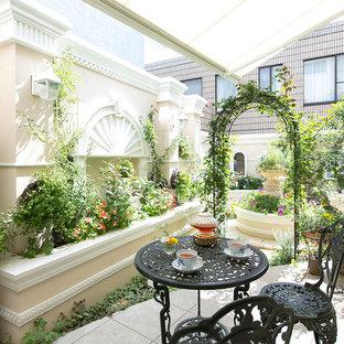 トラディショナルスタイルの中庭の画像 (オーニング・日よけ)