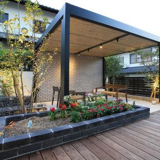 他の地域のコンテンポラリースタイルのおしゃれなテラス・中庭の写真