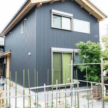 板倉造りと珪藻土の家