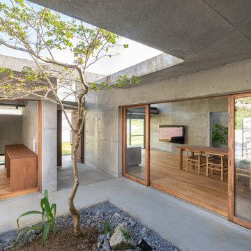 沖縄市松本の住宅
