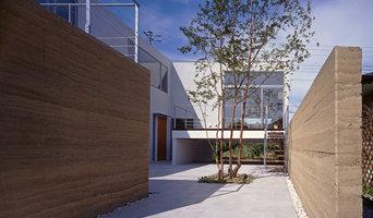版築のある家 南側の中庭
