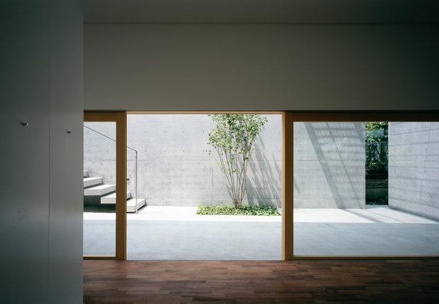 コンテンポラリー テラス・中庭 by 栗原隆建築設計事務所