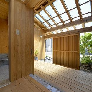 他の地域の和風のおしゃれなテラス・中庭 (デッキ材舗装、張り出し屋根) の写真