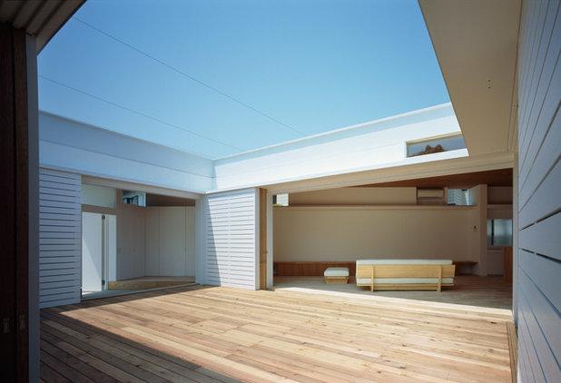 モダン テラス・中庭 by 山本卓郎建築設計事務所 TAKURO YAMAMOTO ARCHITECTS