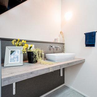 他の地域のモダンスタイルのトイレ・洗面所の画像
