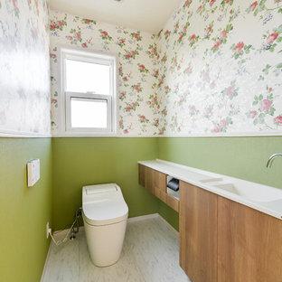 他の地域のヴィクトリアン調のおしゃれなトイレ・洗面所の写真