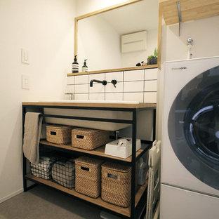 福岡のコンテンポラリースタイルのおしゃれなトイレ・洗面所の写真