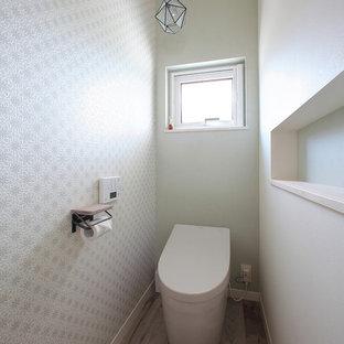 他の地域の地中海スタイルのトイレ・洗面所の画像