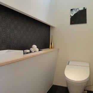 Foto di un piccolo bagno di servizio etnico