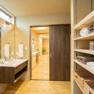 東京都下のラスティックスタイルのおしゃれなトイレ・洗面所の写真
