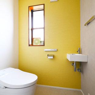 Свежая идея для дизайна: туалет в средиземноморском стиле - отличное фото интерьера