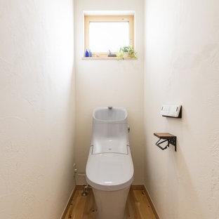 東京都下のモダンスタイルのおしゃれなトイレ・洗面所の写真