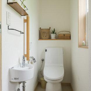 他の地域のモダンスタイルのおしゃれなトイレ・洗面所の写真