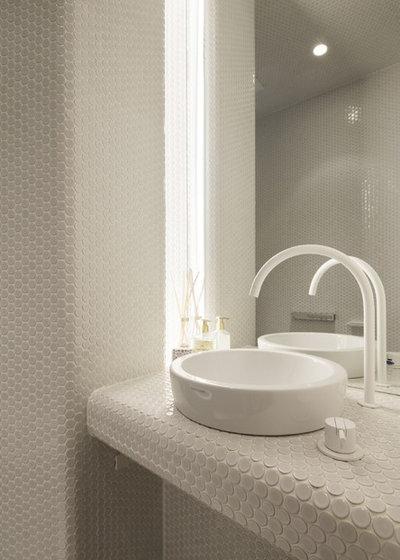 トイレ・洗面所 by エアスケープ建築設計事務所