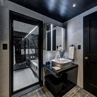 東京23区のラスティックスタイルのおしゃれなトイレ・洗面所の写真