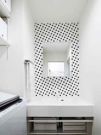 モダン トイレ・洗面所 by えぬぷらす一級建築士事務所