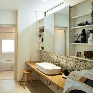 大阪のモダンスタイルのおしゃれなトイレ・洗面所の写真