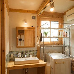 他の地域のカントリー風おしゃれなトイレ・洗面所の写真