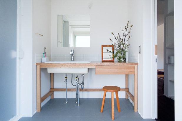 北欧 トイレ・洗面所 by 横山浩之建築設計事務所