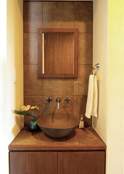 ミッドセンチュリー トイレ・洗面所 by Sデザイン設計一級建築士事務所