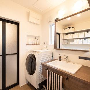 京都のモダンスタイルのトイレ・洗面所の画像