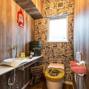 他の地域のエクレクティックスタイルのおしゃれなトイレ・洗面所の写真