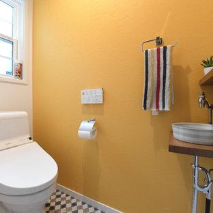 造作手洗いのついたトイレ