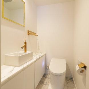 東京23区のトラディショナルスタイルのトイレ・洗面所の画像