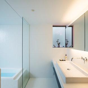 横浜のモダンスタイルのおしゃれなトイレ・洗面所の写真