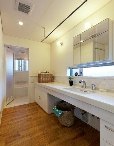 トイレ・洗面所 by 磯村建築設計事務所