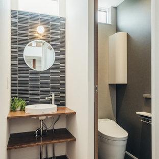 他の地域の中くらいのコンテンポラリースタイルのおしゃれなトイレ・洗面所の写真