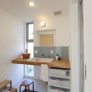 Свежая идея для дизайна: туалет в стиле шебби-шик - отличное фото интерьера