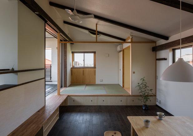 和モダン ファミリールーム by 小野育代建築設計事務所