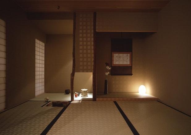 Asian Family  Room by 内田繁 SHIGERU UCHIDA