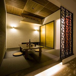 華やかな和室が彩を添えるモダンハウス