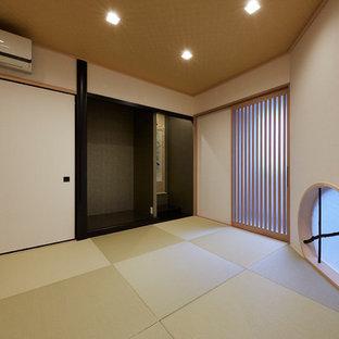 Idee per un soggiorno moderno con pavimento in tatami e pavimento marrone
