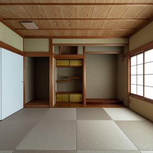 神戸の和風のおしゃれなファミリールームの写真