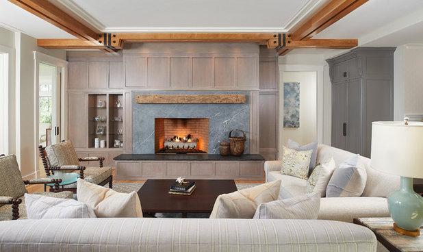 Transitional Family Room by YZDA | Yoshida + Zanon Design Atrium