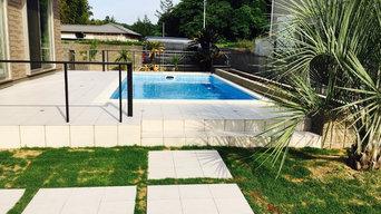 プールのある庭