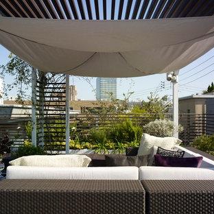 Idee per un balcone contemporaneo di medie dimensioni
