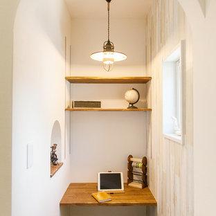 他の地域の地中海スタイルのおしゃれなホームオフィス・書斎の写真