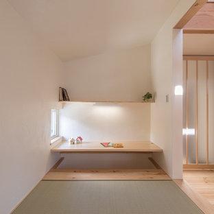 東京都下のカントリー風おしゃれなホームオフィス・書斎の写真